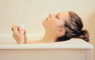 Hacer actividades relajantes antes de irse a dormir favorece el sueño reparador