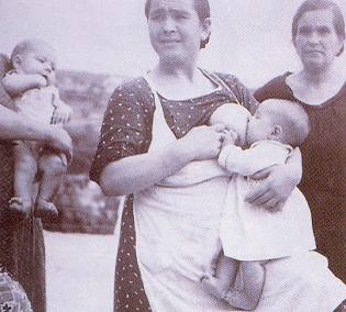 nuestras madres fueron empujadas a alimentarnos con leche artificial