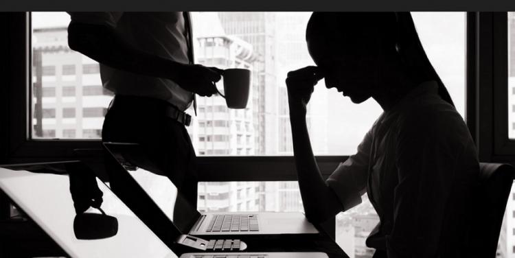 el sindrome postvacacional es causa de ansiedad y estres laboral y se trata reduciendo la exigencia y aumentando la tolerancia a la frustración